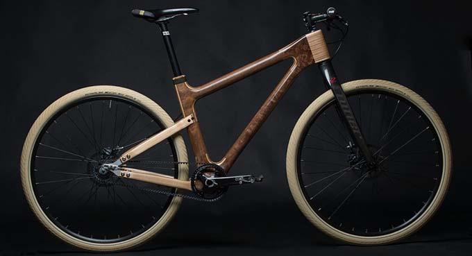 Amigos de la bicicleta la elegancia de la madera
