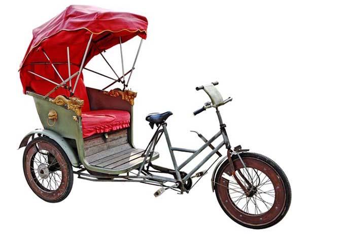 Amigos de la bicicleta bici taxis o c mo desplazarse por for Hotel para cuatro personas